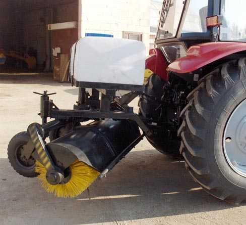 Машина уборочная БЛ-2500 (с системой орошения)
