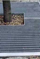 Приствольные прессованные металлические решётки для деревьев MEISER
