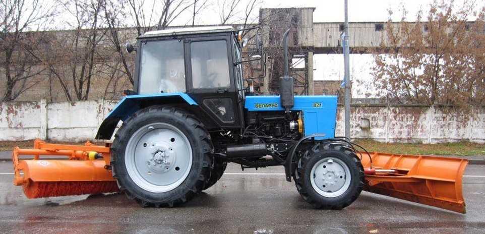 Аренда трактора - щетка на базе МТЗ