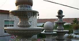 Городские и парковые фонтаны из камня
