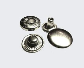 Кнопки металлические
