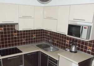 Кухня угловая фасад ЛДСП в кромке алюминиевой