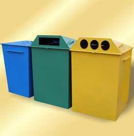 Контейнер с крышкой из листовой стали для сборов бытовых отходов емкостью 0,75 м3.