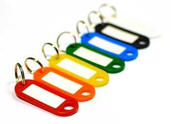 Бирки для ключей пластиковые с никелированным кольцом