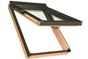 Мансардное окно с комбинированной системой открывания FAKRO PPP-V preSelect