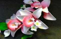 Изделия в виде цветов из мастики (цветочная композиция) 11177