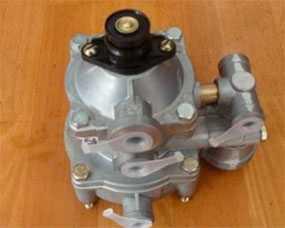 Клапан управления тормозами прицепа с клапаном обрыва МАЗ, ЗИЛ, КАМАЗ двухпроводный 64221-3522010,6024-3522 - БелОМО