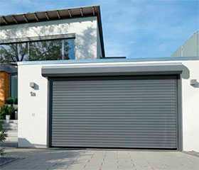 Ворота гаражные рулонные RollMatic, поверхность Decograin Golden Oak - Hörmann