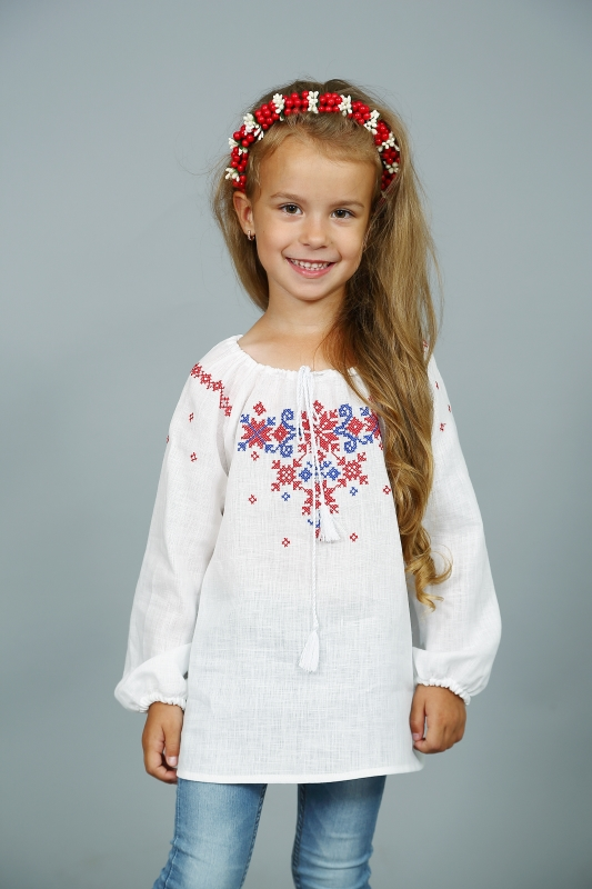Блуза для девочки с вышивкой