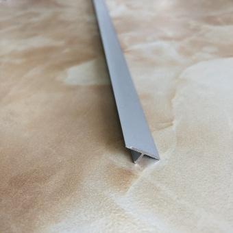 Гладкий пазовый профиль FG19 серебро 2.7 метра