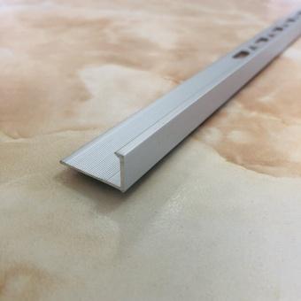 Угловой наружный профиль L12 серебро 2.7 метра