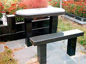 Изготовление столов и скамеек для могил из гранита