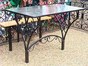 Изготовление кованых столов и скамеек для могил