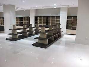 Изготовление мебели для магазинов одежды