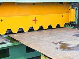 Рубка металла толщиной до 10 мм. на гильотинных ножницах