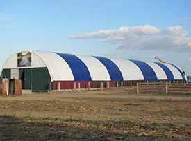 Монтаж тентовых укрытий для быстровозводимых металлоконструкций