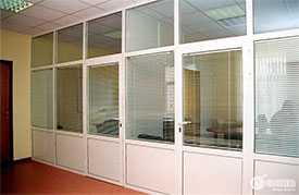 Изготовление и монтаж офисных перегородок из ПВХ под заказ