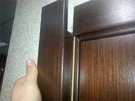 Монтаж наличников ПВХ для дверей