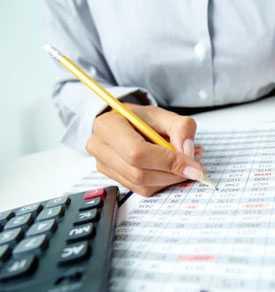 Расчет оплаты по листкам временной нетрудоспособности сотрудников