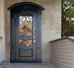 Изготовление металлических дверей для коттеджей