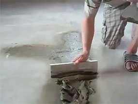 Шпатлевка пола (напольного основания) перед нанесением наливного пола