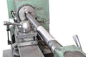Вытачивание пазов на изделиях из металла