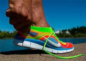 Оптовая торговля стоковой обувью торговой марки NIKE