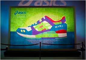 Оптовая торговля стоковой обувью торговой марки ASICS