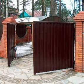 Изготовление и монтаж распашных въездных ворот ALUTECH (серия Elegant)