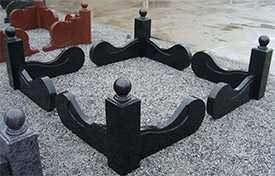Изготовление гранитной ограды с шарами , куполами