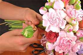 Сборка букетов искусственных цветов