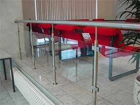 Изготовление комбинированных ограждений (нержавеющая сталь и стекло)