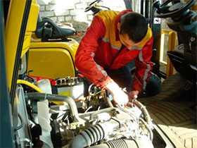 Сервисный ремонт вилочных погрузчиков TAYOTA