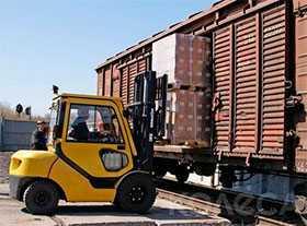 Погрузочно-разгрузочные работы в крытых вагонах и автомашинах с грузами до 3 тонн