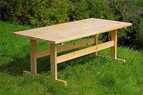 Изготовление деревянных садовых столов