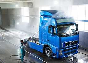 Механизированная мойка грузовой автомобиль без прицепа (фургон, тент)