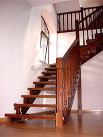 Реализуем деревянные лестницы